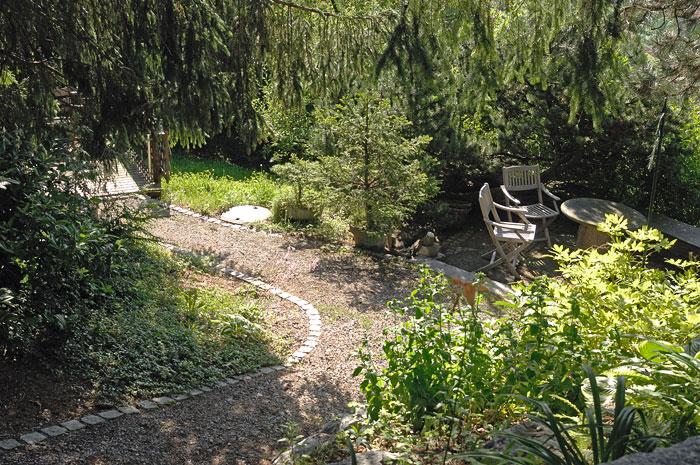 Naturstein Im Garten Treppen Wege: Naturstein findling terrasse wege ...